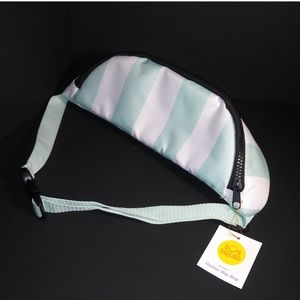 🆕 Fanny Pack Cooler Striped White and Green